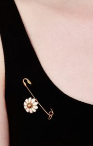 Pearl drop safety pin