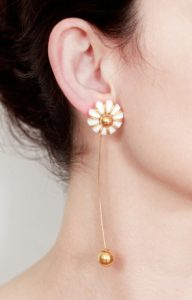 Light earcuff