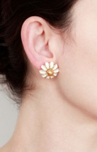 Two pearls ear cuff