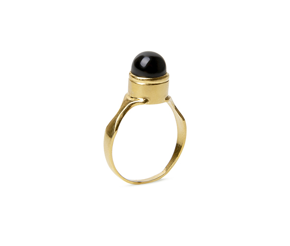Gold round signet ring set with a black onyx
