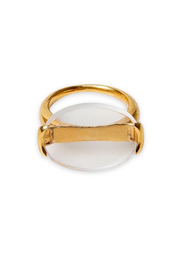 Sello en plata chapada en oro engastado con cuarzo