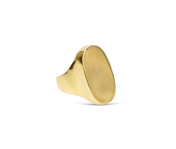 Gold flat signet ring