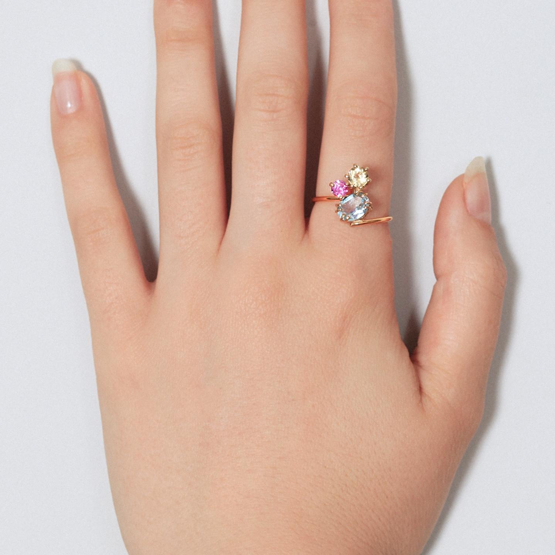Gold ring ring set with lemon quartz, pink sapphire and blue topaz