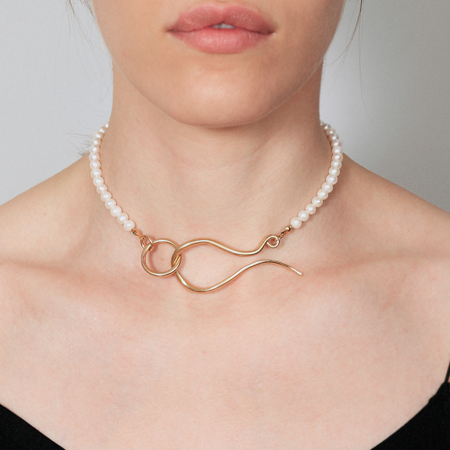 Pearl choker with original clasp