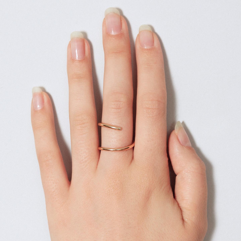 Anillo minimalista de oro