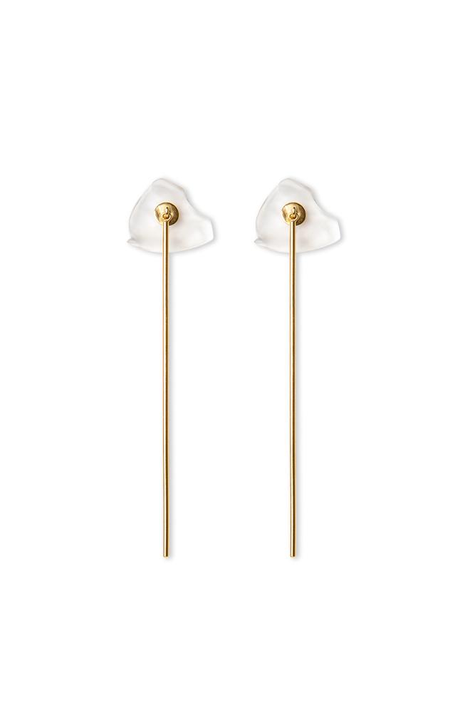 Long minimalist gold earring with false dilation