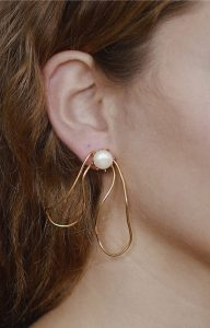Pearl bow earring