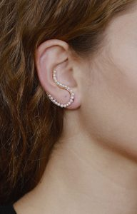 Original ear cuff earring gold with fresh water pearls